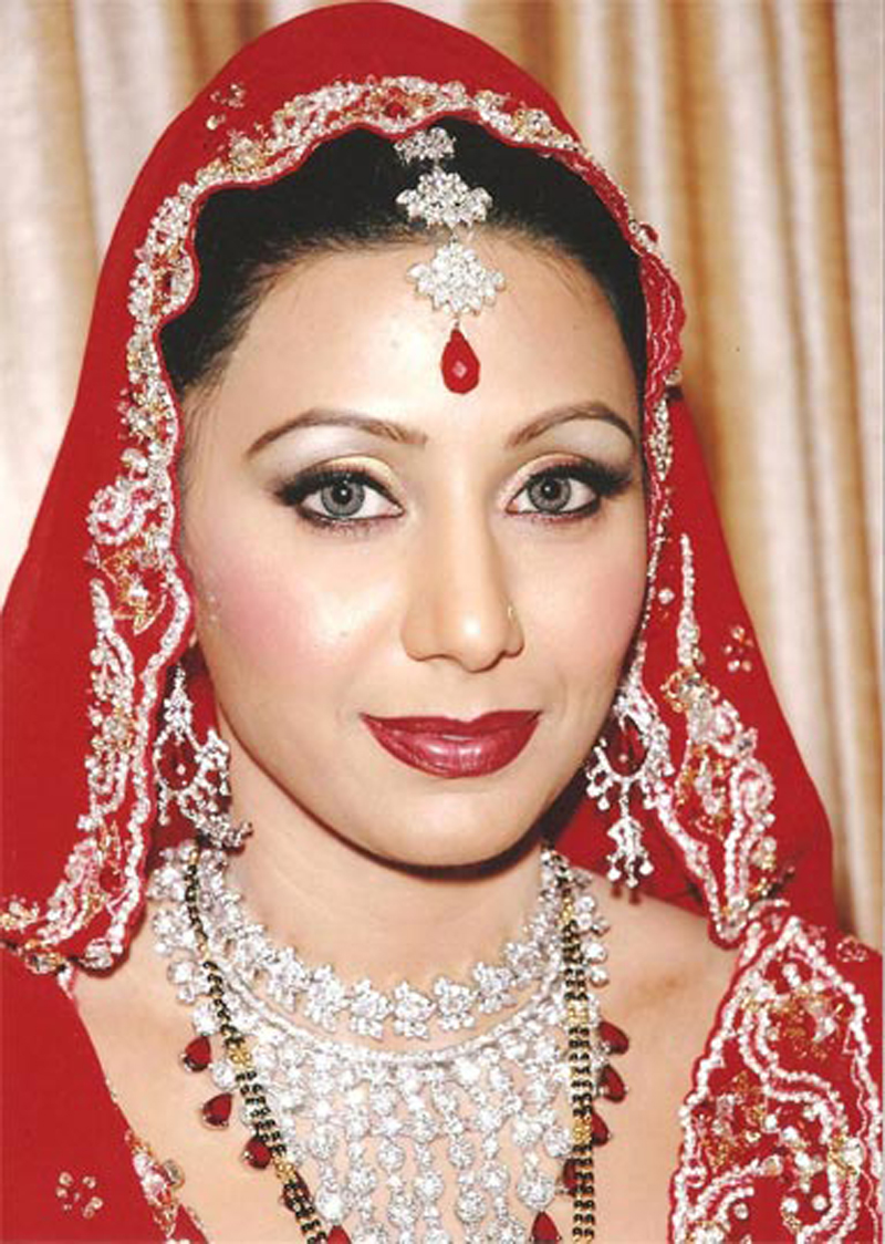 Professional Bridal Makeup: Professional Bridal Makeup